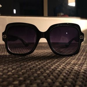 "GUCCI's ""SQUARE BEE AND ACETATE"" shades"